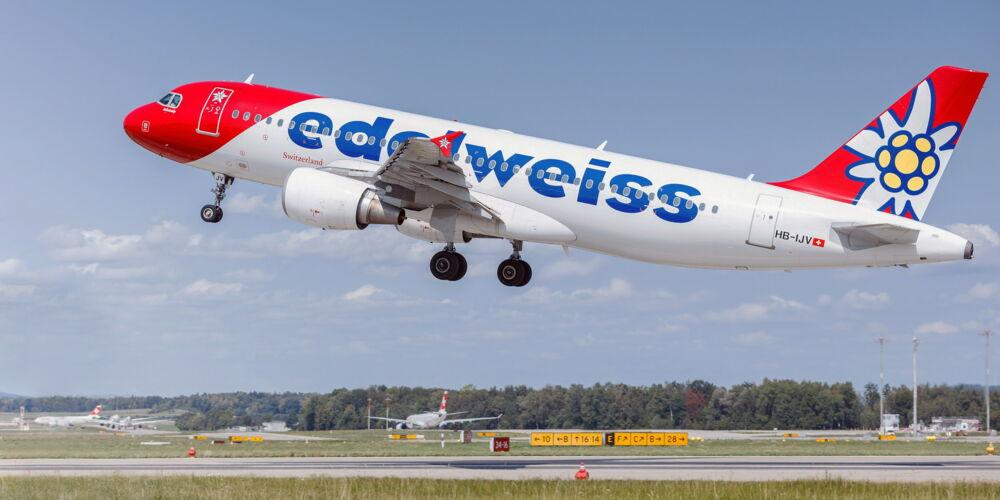 Edelweiss A320.jpg