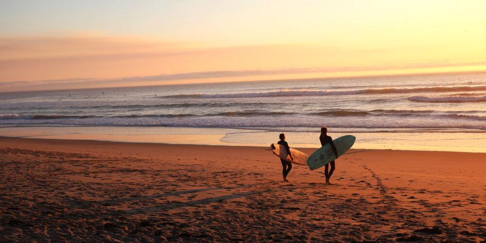Surfing_sacha-verheij.jpg