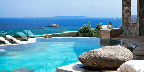 delphina_resort-valle-dell-erica-slider-suite-piscina-privata-santa-teresa-gallura1.jpg