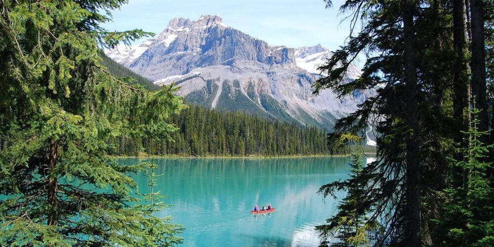 Emerald_Lake_Canada.jpg