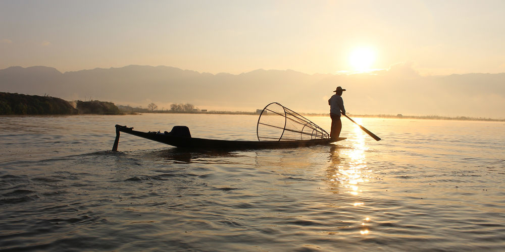 fisherman-boat-inle-lake-myanmar-burma-water.jpg