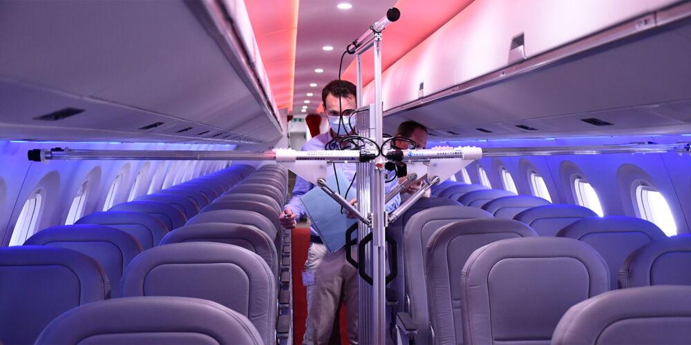 Helvetic_Airways_Ultraviolett.jpg