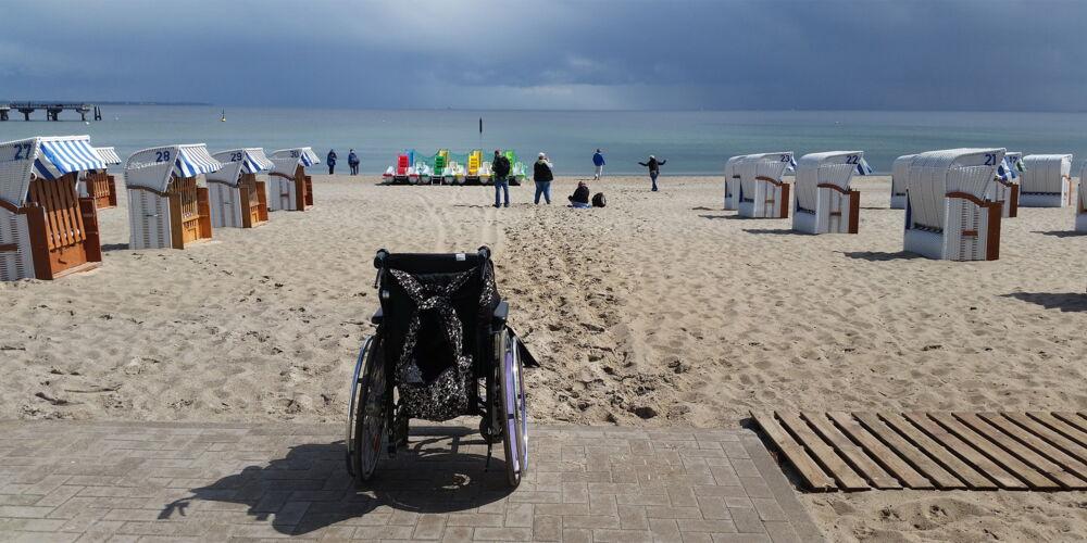 Rollstuhl_Strand.jpg