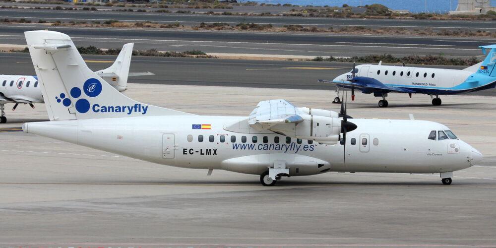 CanaryFly_ATR_42-320_at_Gran_Canaria_Airport.jpg