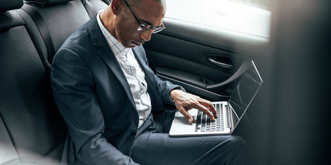 laptop_businessman_fotolia.jpg