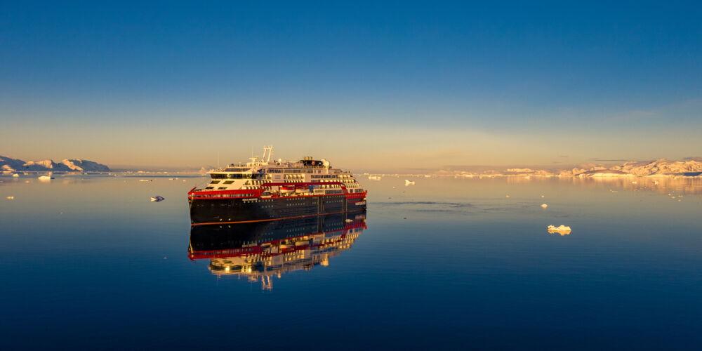 MS-Roald-Amundsen-Antarktis-HGR-142131- Foto_Dan_Avila.JPG