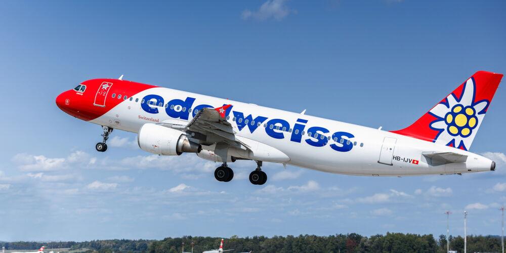 Edelweiss_A320_Takeoff2.jpg