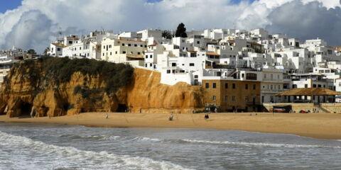 beach-2053018_1920.jpg