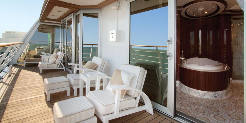 oceania_cruises_o-klasse_owners-suite-balcony.jpg
