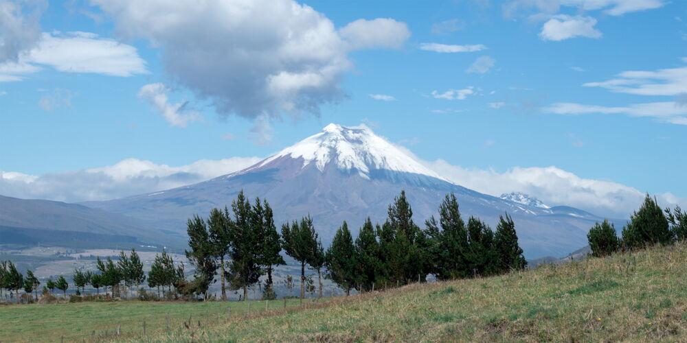 Cotopaxi_Ecuador.jpg