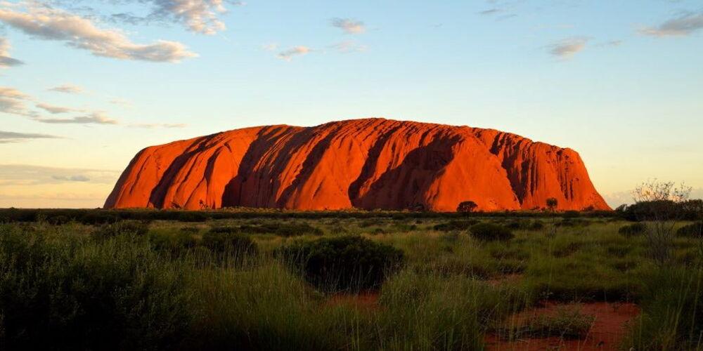 Uluru1-7aeacdd3.jpg