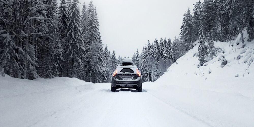 Auto_Im_Schnee.jpg