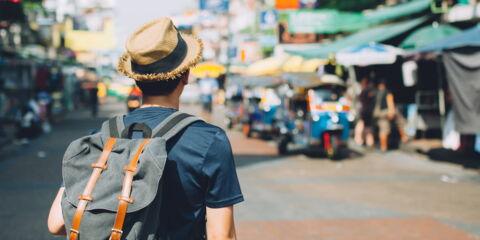Fotolia_tourist_thailand2.jpg