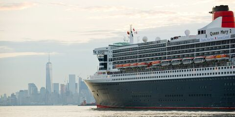 Queen_Mary2_NYC.jpg