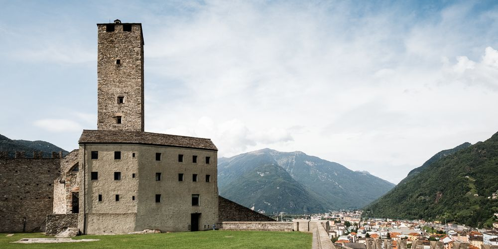 Bellinzona - Turmzimmer_2_preview.jpeg
